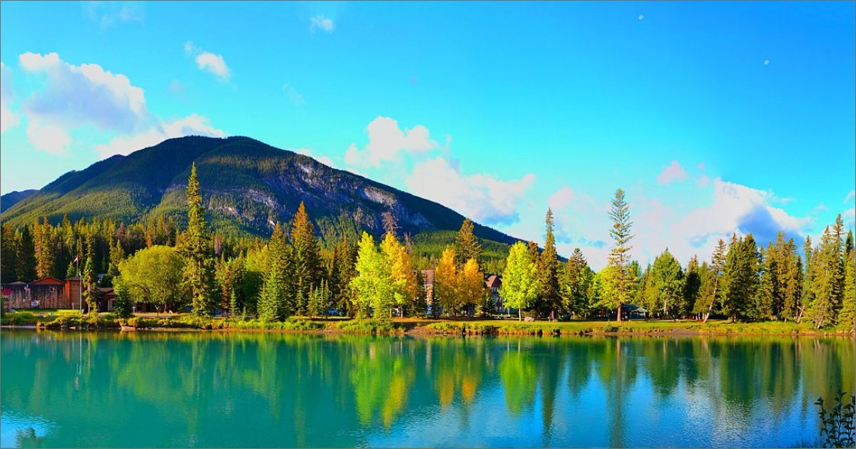 Lake, trees and mountain in Alberta, Canada